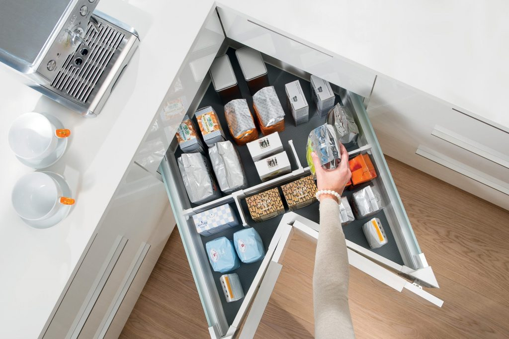 ACo: Maximize Corner Storage in Your Kitchen